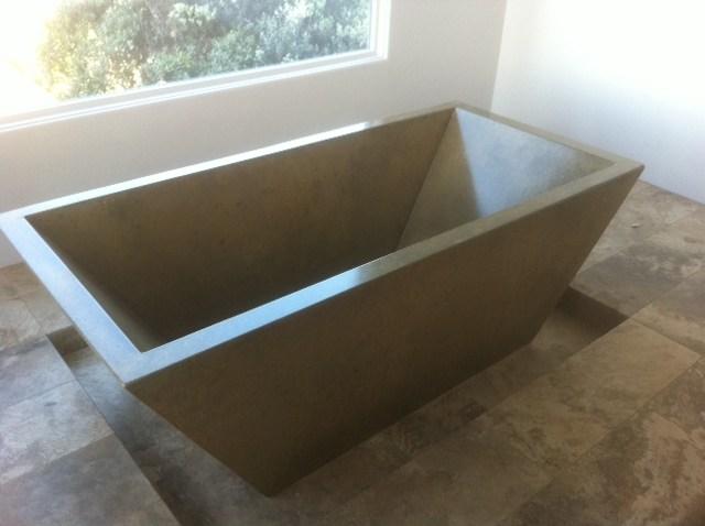 Bồn tắm bê tông (vuông cạnh)